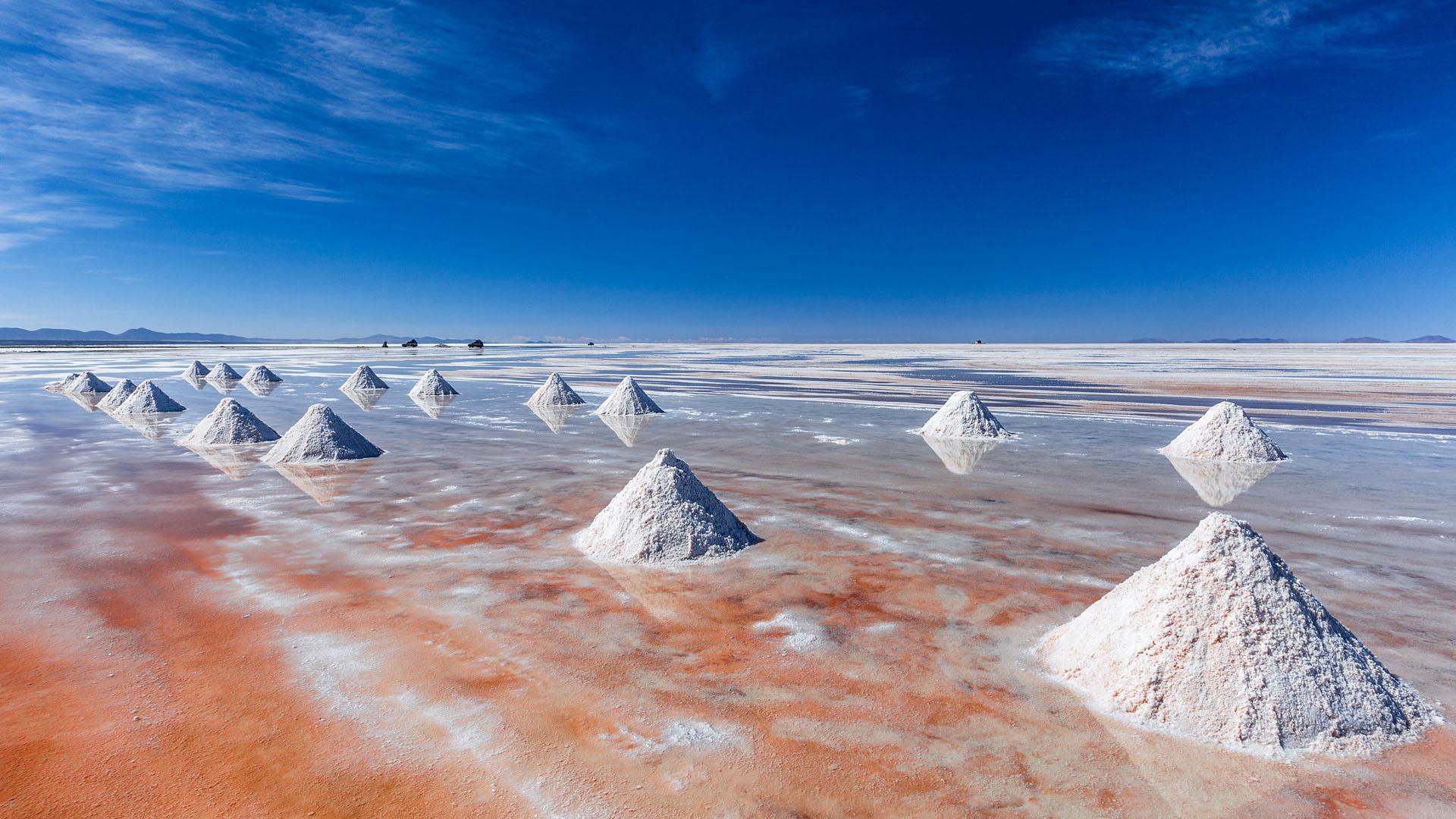 Salzhügel im Salar de Uyuni