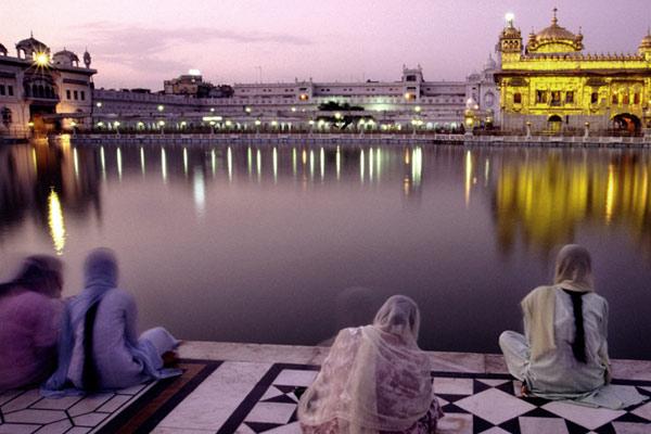 Abendgebet, Goldener Tempel, Amritsar, Punjab