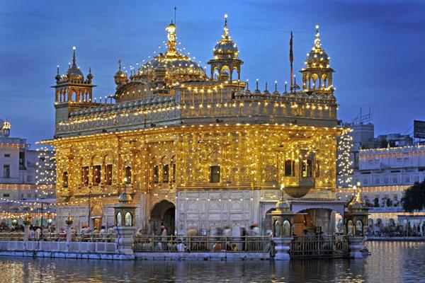 Der Goldene Tempel an Baisakhi, Amritsar, Punjab