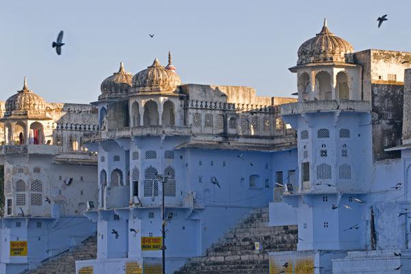 Paläste an den Ghats, Pushkar, Rajasthan