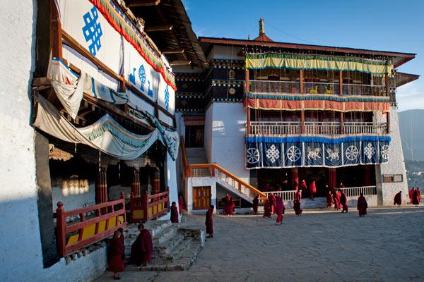 Nach dem Morgengebet, Kloster Tawang, Arunachal Pradesh