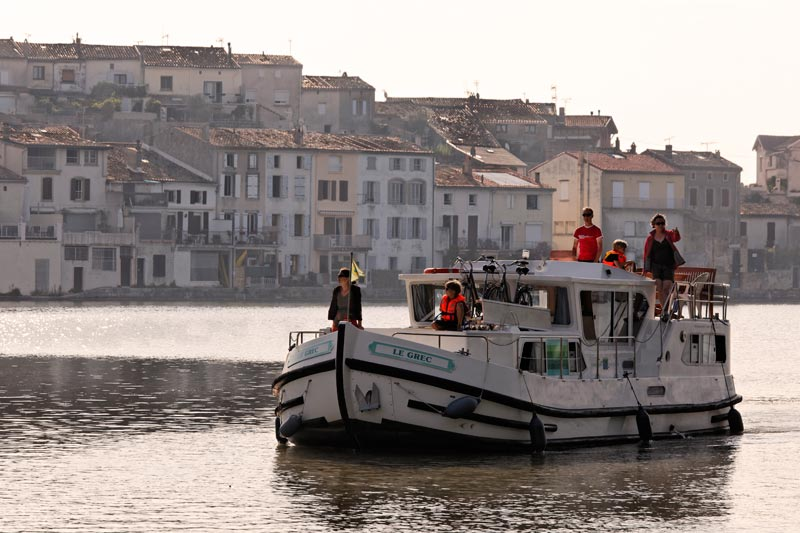 Mit dem Hausboot durch Frankreich. © Martin Schulte-Kellinghaus