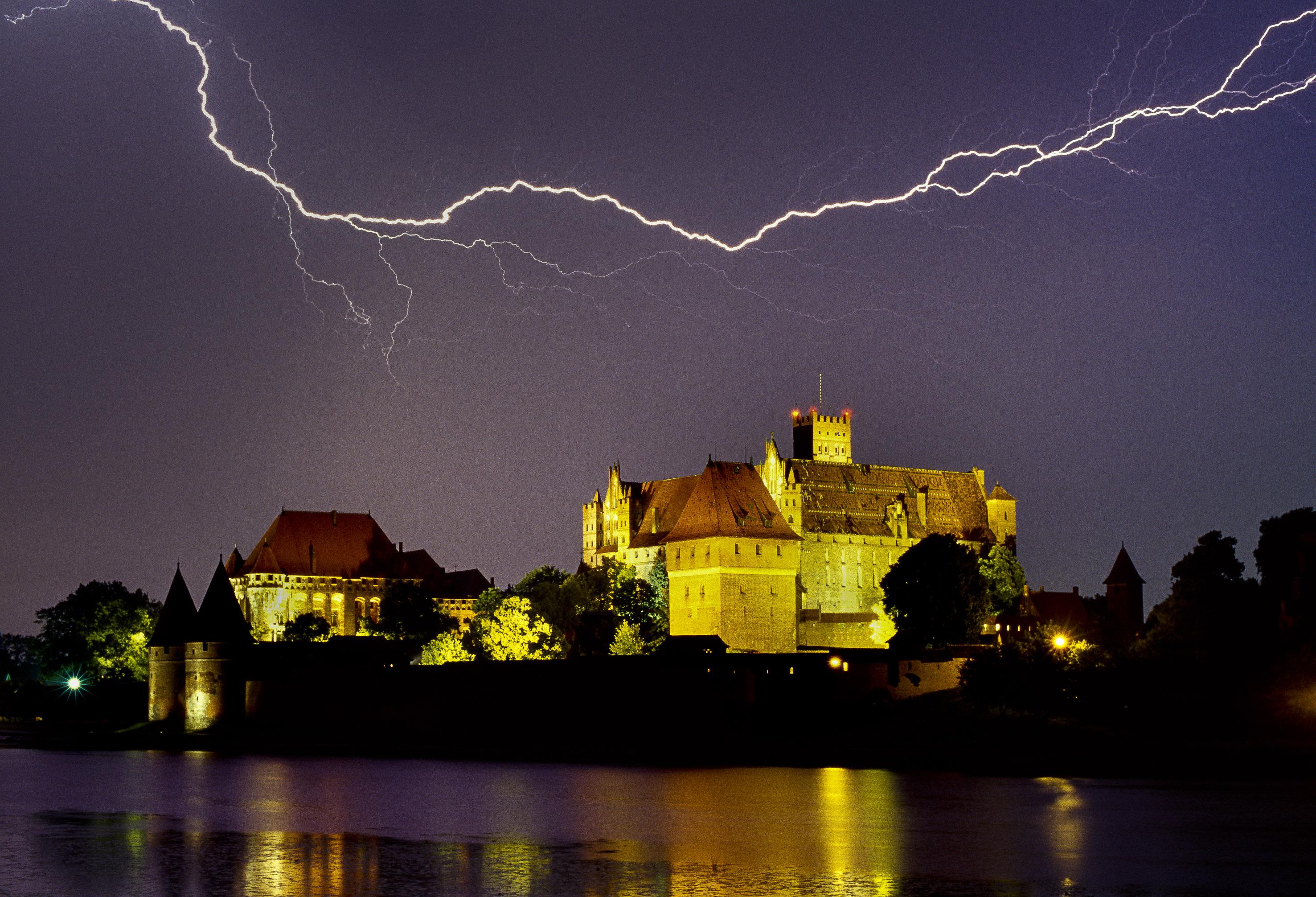 Marienburg Blitz_02